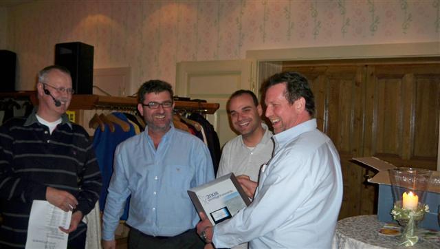 Paul Golding pela Flight 1 recebo os prémios nas categorias FS Enhancement e Scenery Region